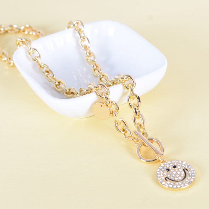 Wholeslae smiley face sweater chain N0131